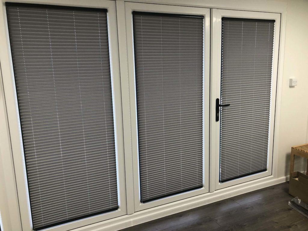 venetian blinds on bifold doors